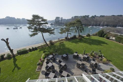 Best Western Plus Le Roof Vannes Bord de Mer : Hotel near Arradon