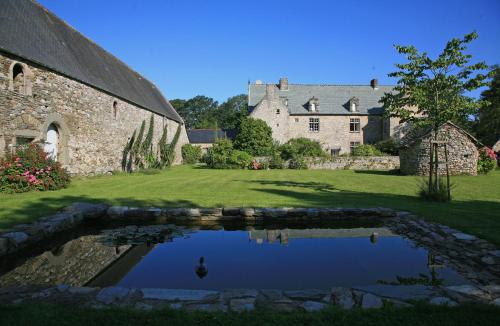 Le Manoir de La Fieffe : Bed and Breakfast near Carneville