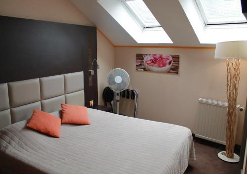Hotel Le Dauphin Les Loges : Hotel near Honfleur
