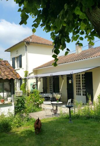 Le savoir vivre : Bed and Breakfast near Rioux-Martin