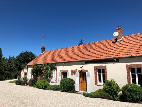 Les Bonnys : Guest accommodation near Ouzouer-des-Champs