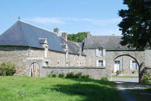 Holiday home Gites du Manoir du Ranleon - 1 : Guest accommodation near Éréac