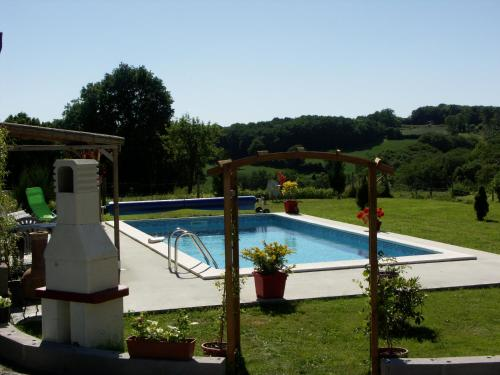 Chalet de Rose : Guest accommodation near La Motte-Feuilly
