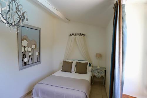 Maison de Margot : Bed and Breakfast near Trausse