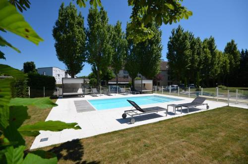 Kyriad Dijon Est Mirande : Hotel near Magny-sur-Tille