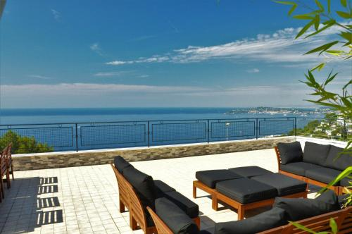 Villa SKYLINE-Monaco Border : Guest accommodation near Èze