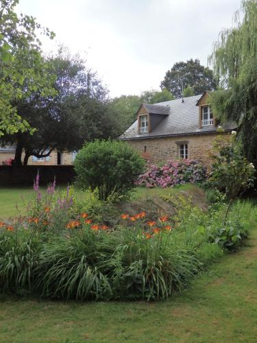 Le Moulin d'Hys : Bed and Breakfast near Thorigné-en-Charnie
