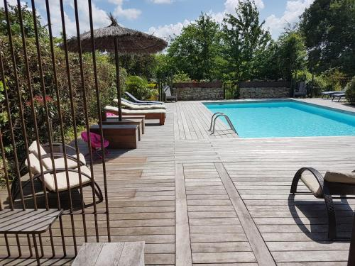 Arbrakabane : Bed and Breakfast near Cazeneuve-Montaut