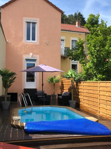 Maison Le Creusot : Guest accommodation near Saint-Sernin-du-Bois