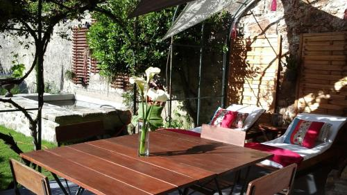 Le Petit Jardin : Guest accommodation near Graix