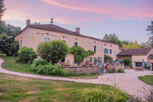 Moulin de Saint Avit : Bed and Breakfast near Rives