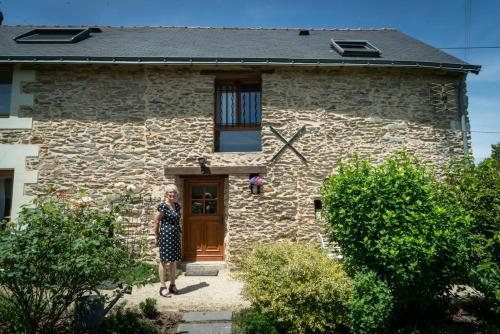 Les Clematites : Bed and Breakfast near Puceul