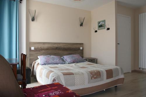 Les 3 Vallées : Bed and Breakfast near Saint-Laurent-du-Mottay