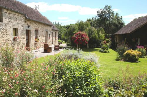 Chambre d'hôte Courtoux : Guest accommodation near Le Chevain