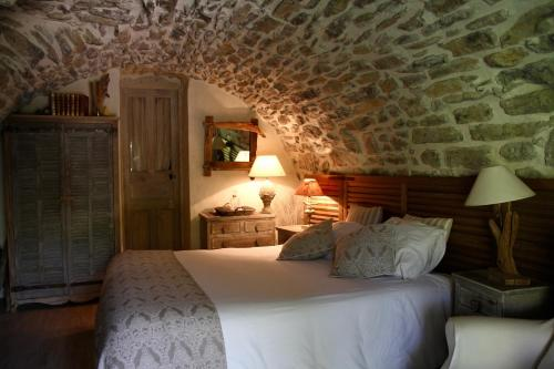 Mas de la Filoselle : Bed and Breakfast near Soustelle