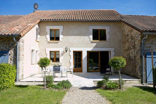 La Belle Cour : Guest accommodation near Vitrac-Saint-Vincent