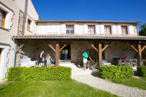 Le Cabriolet : Guest accommodation near Lésignac-Durand