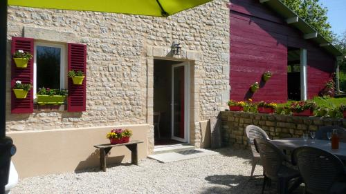 Gite de la Cour Vautier : Guest accommodation near Saint-Marcouf