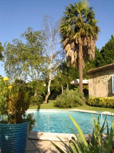 La Petite Provence de Touron : Bed and Breakfast near Lamothe-Montravel