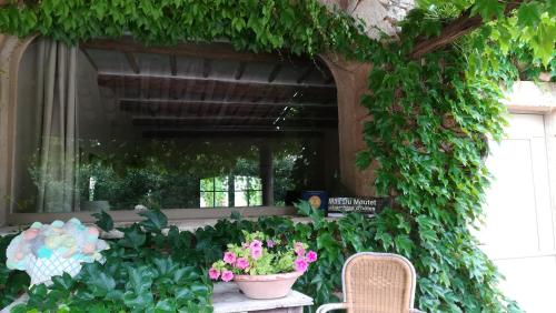 Mas du Moutet : Bed and Breakfast near La Bastide-d'Engras