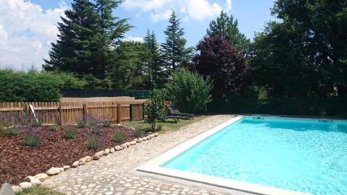Gîte des 4 vents : Guest accommodation near Céreste