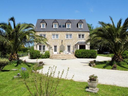 Ferienhaus Reville 401S : Guest accommodation near Gatteville-le-Phare
