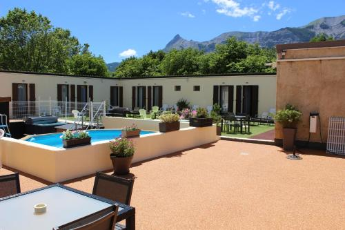 Hotel Le Connetable : Hotel near La Fare-en-Champsaur