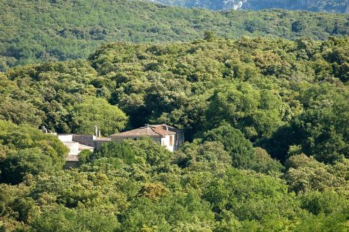 Le Mas de Coulet : Bed and Breakfast near Saint-Bauzille-de-Putois