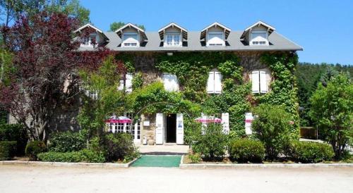 Hotel Restaurant du Moulin de Barette : Hotel near Roche-en-Régnier