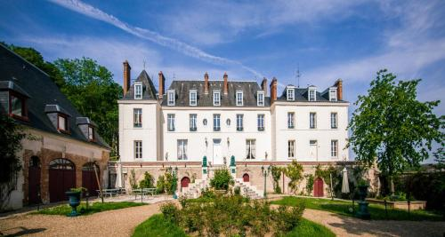 Château du Jard : Bed and Breakfast near Saint-Clair-sur-Epte