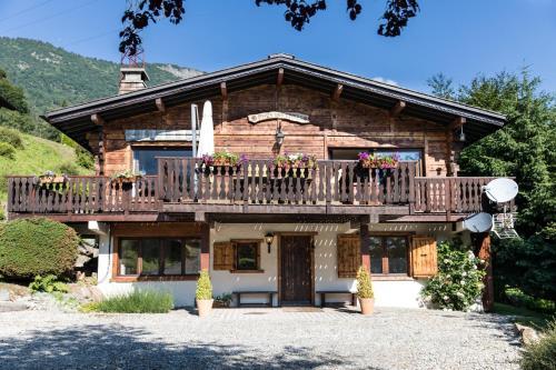 Chalet Pres des Cimes : Guest accommodation near Les Houches