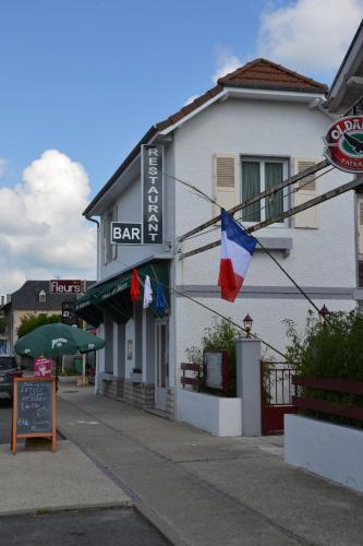 Hôtel Restaurant du Béarn : Hotel near Sedzère