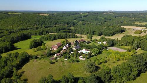 Domaine de Montsalvy : Guest accommodation near Rampoux
