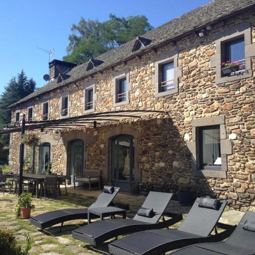 La Bâtisse chambres d'hôtes : Bed and Breakfast near La Fage-Montivernoux