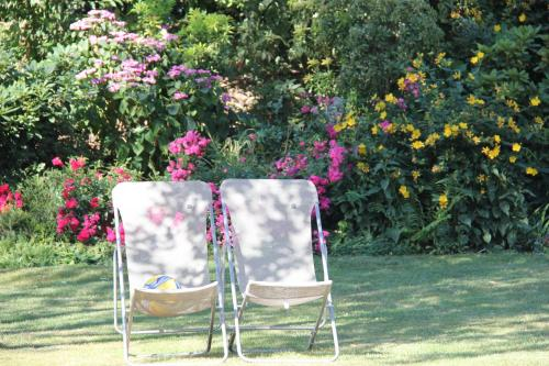 La Villa Blanche : Bed and Breakfast near Conches-sur-Gondoire