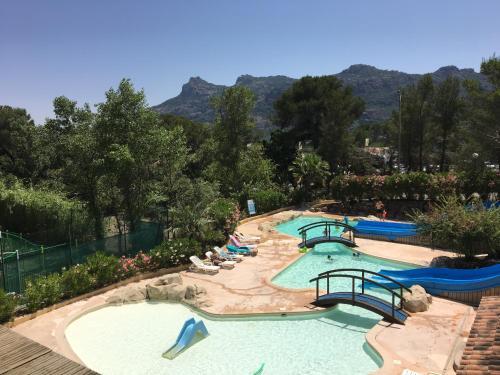 Camping Domaine de la Noguière : Guest accommodation near Le Muy