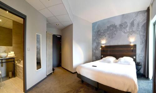 Logis Florel : Hotel near Bonnevaux-le-Prieuré