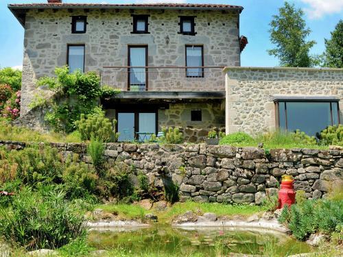 Le Domaine Dans La Prairie : Guest accommodation near Lacam-d'Ourcet