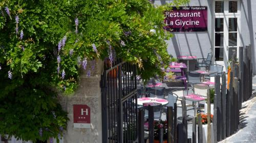 Logis Le Fontarabie : Hotel near Liez