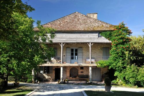 Moulin de Labique : Bed and Breakfast near Montaut