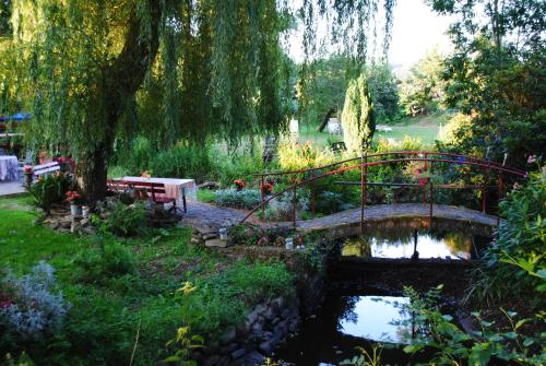 Le Moulin du Bignon : Bed and Breakfast near Lassy