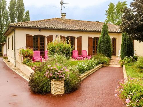 Holiday home Maison Pineuilh : Guest accommodation near Saint-Avit-Saint-Nazaire