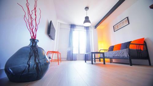 Rive Droite : Apartment near Theix