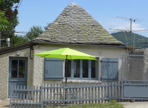 La P'tite Maison : Guest accommodation near Roche-en-Régnier