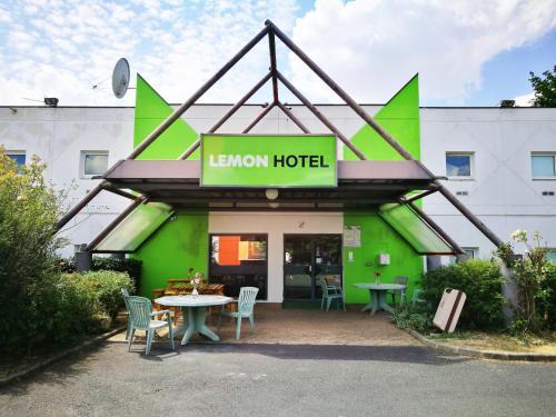 Lemon Hotel Ch Futuroscope : Hotel near Leigné-les-Bois