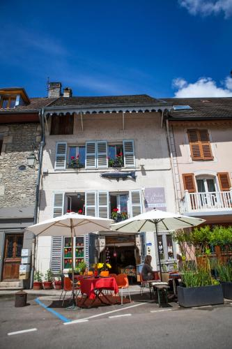 L'Atelier Du Peintre : Bed and Breakfast near Mérey-sous-Montrond