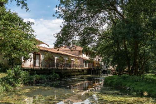 Moulin du Val de Seugne : Hotel near Biron