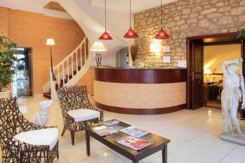 Best Western Hotel De Diane : Hotel near Germigny-sur-Loire