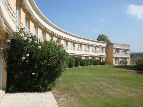 Sure Hotel by Best Western Aix Sainte Victoire : Hotel near Saint-Savournin
