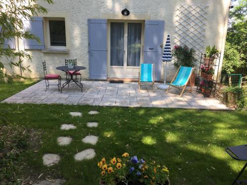 Les volets lavande : Apartment near Sarrians